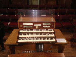 Holtkamp console